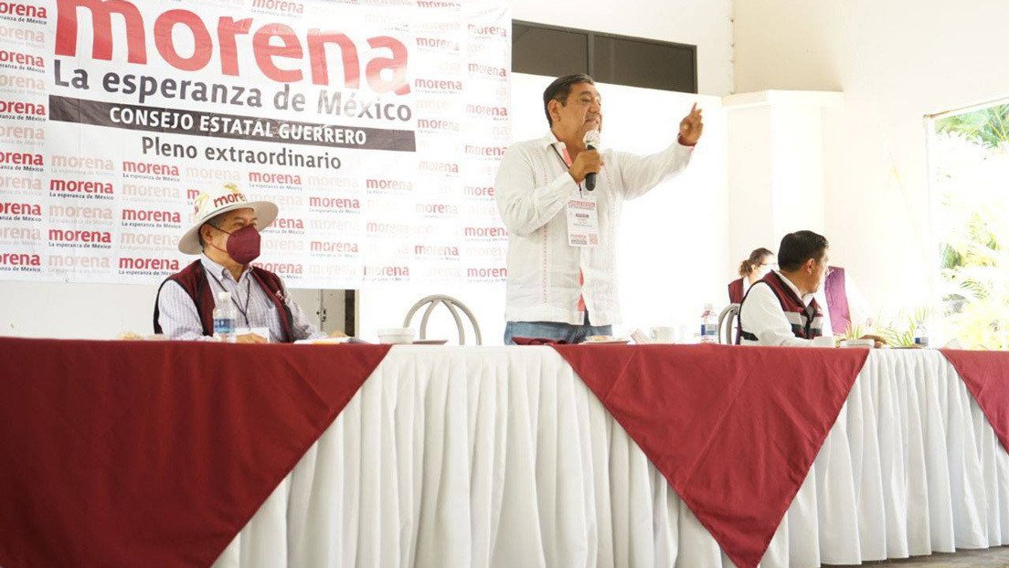 Un senador oficialista acusado de violación es confirmado como candidato a gobernador en una anómala sesión y estalla el repudio en México