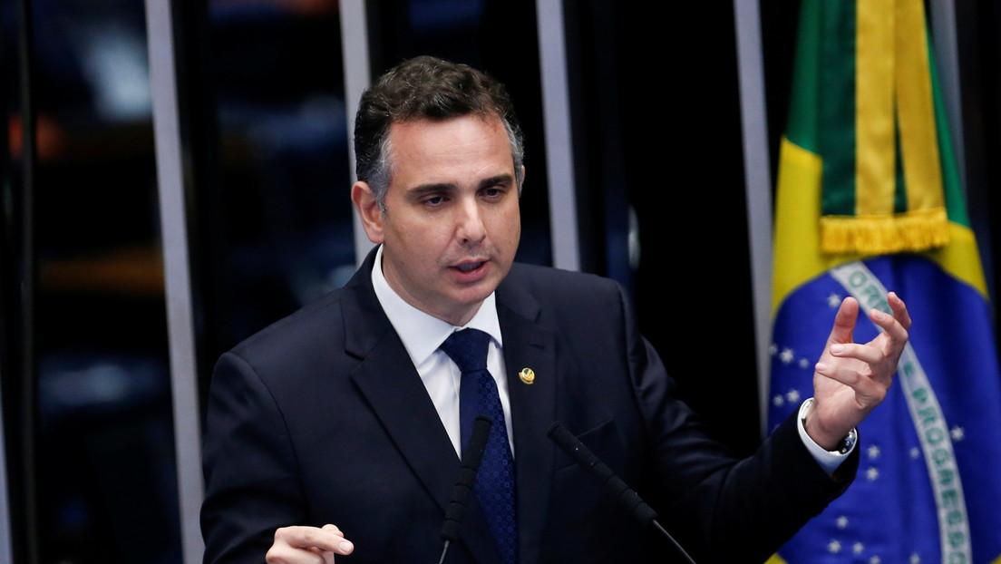Rodrigo Pacheco, el postulado de Bolsonaro, es electo como presidente del Senado en Brasil
