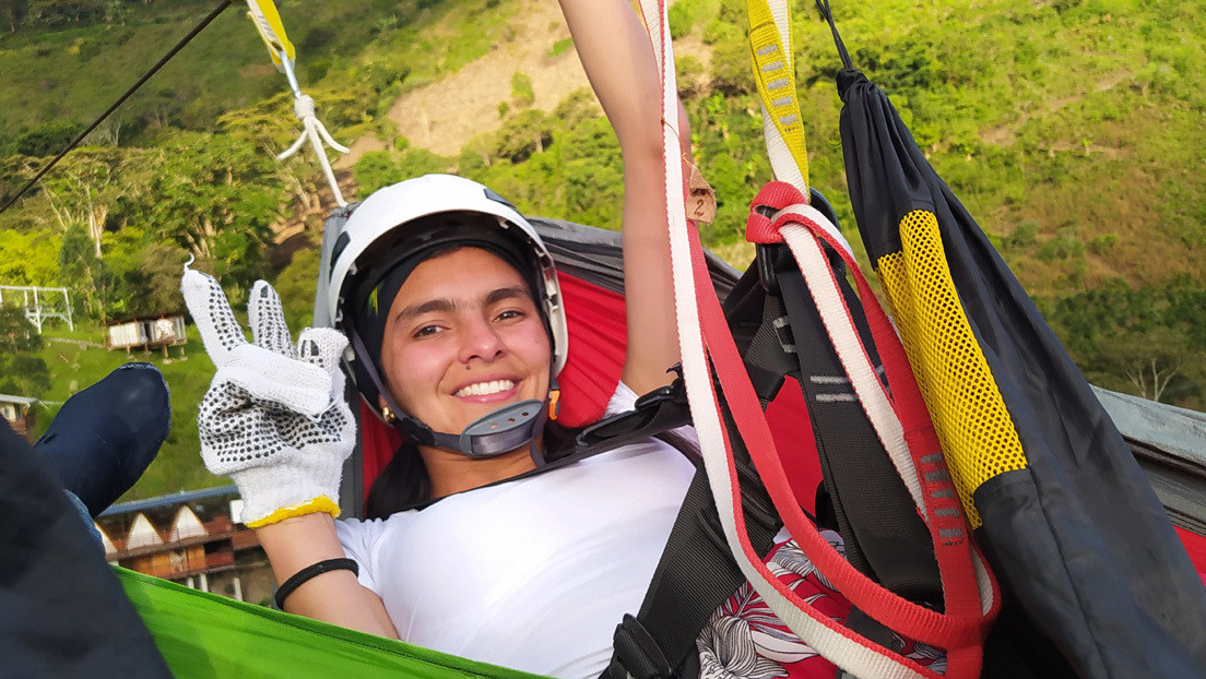 Hamacas en el aire y bicicletas 'voladoras': la aventura extrema que ofrece un parque en Colombia para enfrentar los miedos