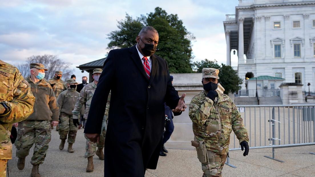 Purga en el Pentágono: el secretario de Defensa destituye a cientos de asesores militares designados por Trump