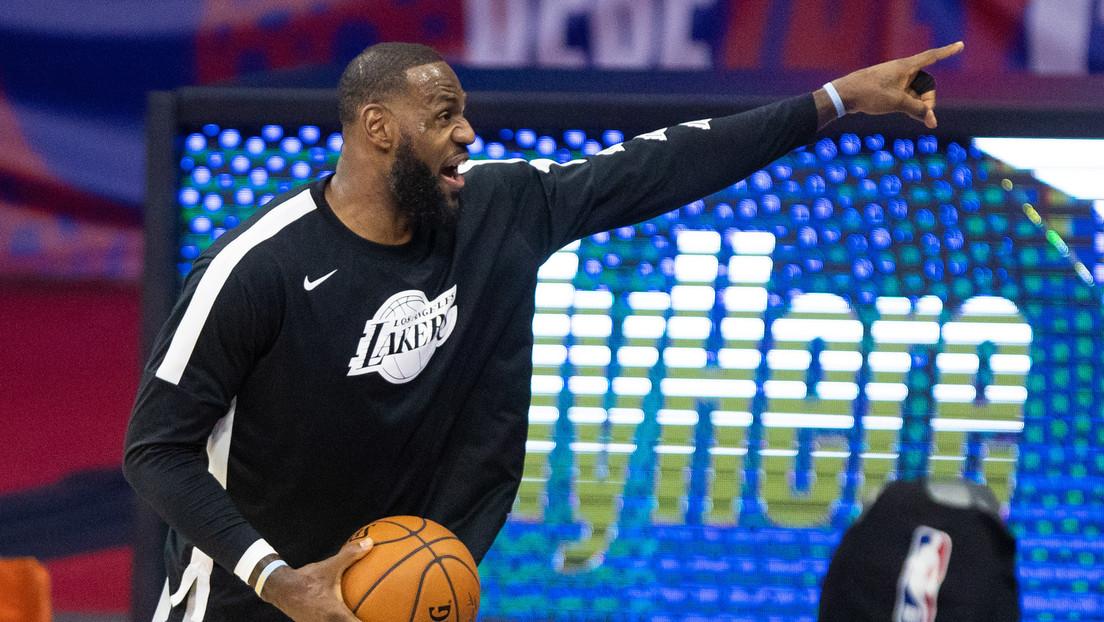 Expulsan a cuatro aficionados de un partido de la NBA tras un altercado con LeBron James
