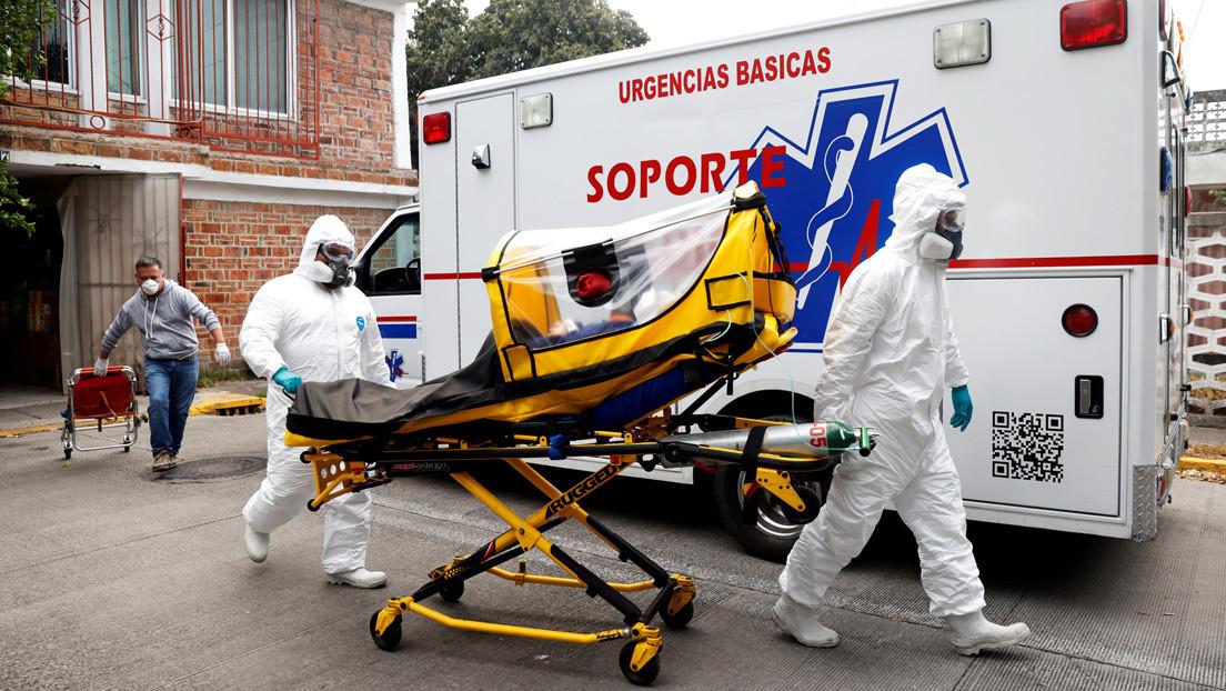 """""""Aún vive, no tiene covid"""": Un hombre muere en la puerta de un hospital mexicano sin recibir atención médica y en medio de los gritos de su familia"""