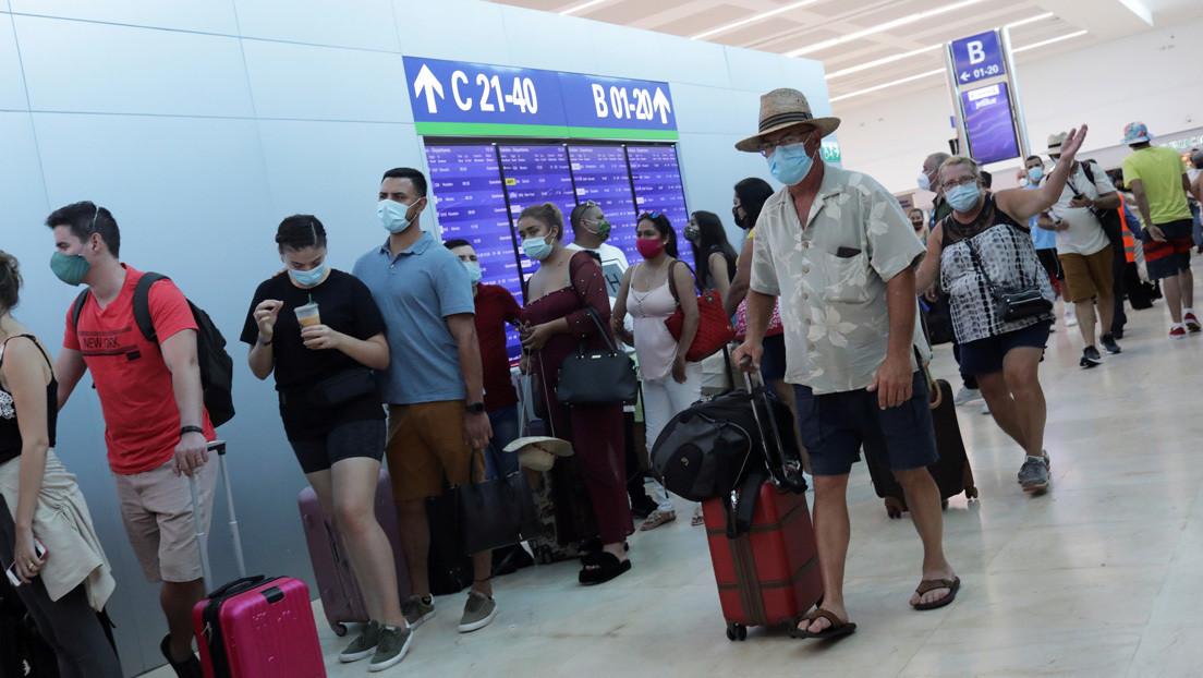 """""""Inadmisible y hostil"""": Rumania reclama a México por el trato dado a un grupo de turistas retenidos en Cancún"""