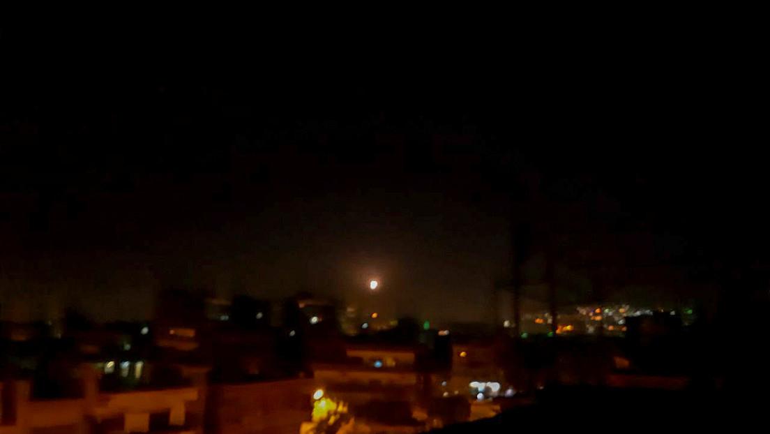 Reportan que la defensa aérea de Siria responde a una presunta agresión israelí al sur del país