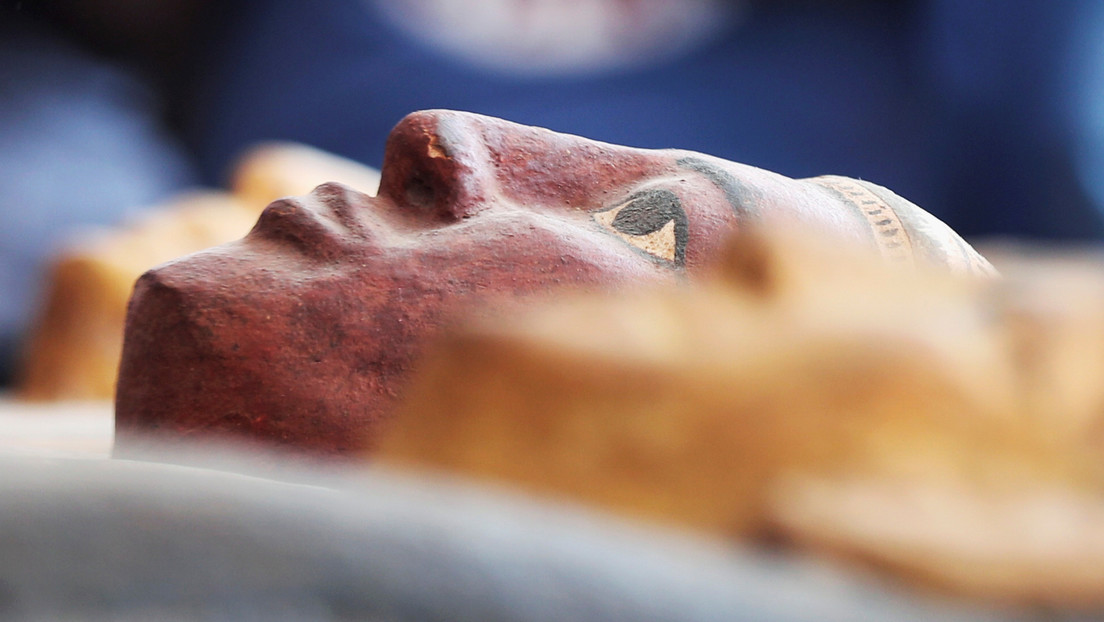 """Descubren una """"momia de barro"""" nunca antes vista en Egipto"""