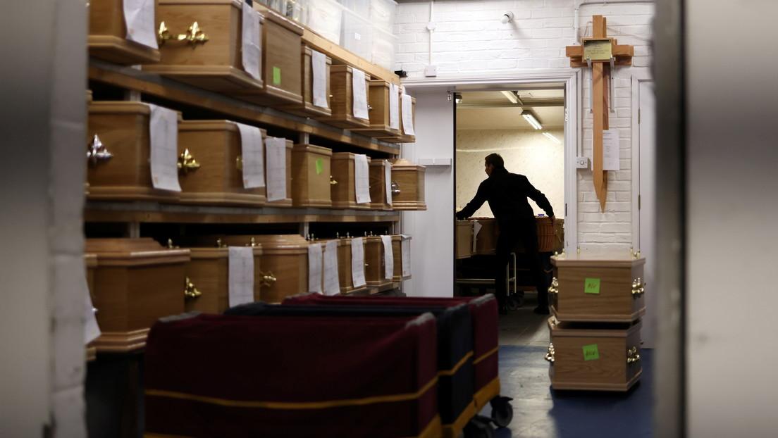 Una funeraria olvida un cadáver durante dos meses y medio en un apartamento