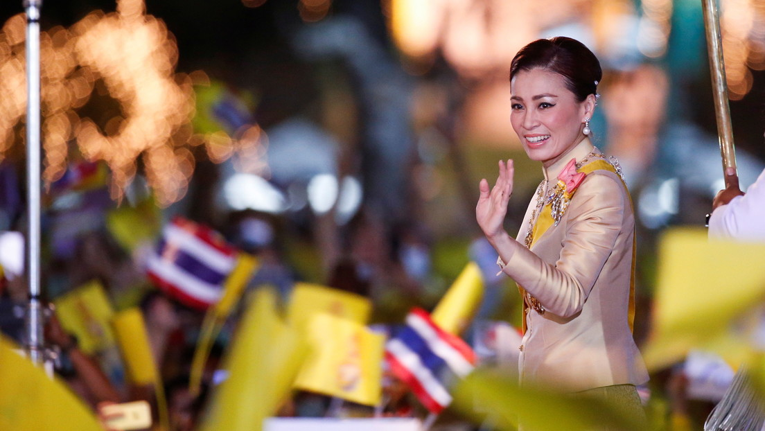 ¿Dónde está la reina de Tailandia?: vinculan su ausencia a unas fotos íntimas de la concubina del rey
