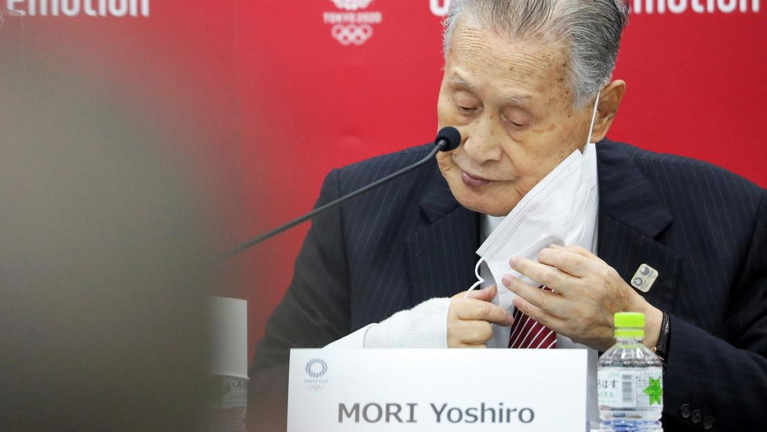 El presidente de Tokio 2020 genera controversia al decir que las mujeres hablan mucho