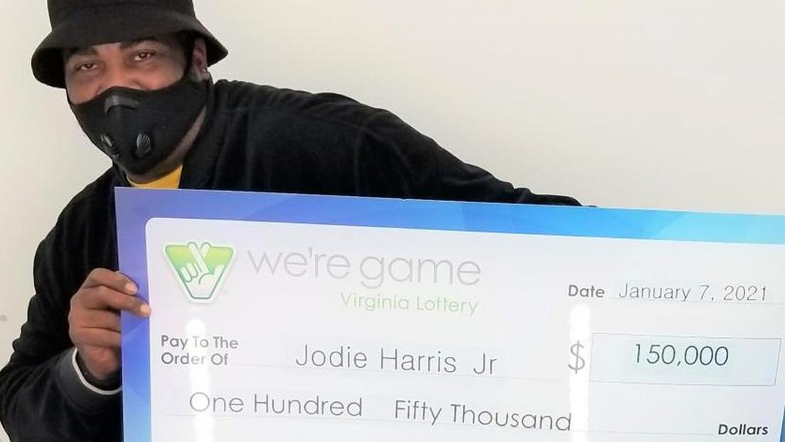 Gana 150.000 dólares en la lotería gracias a un sándwich