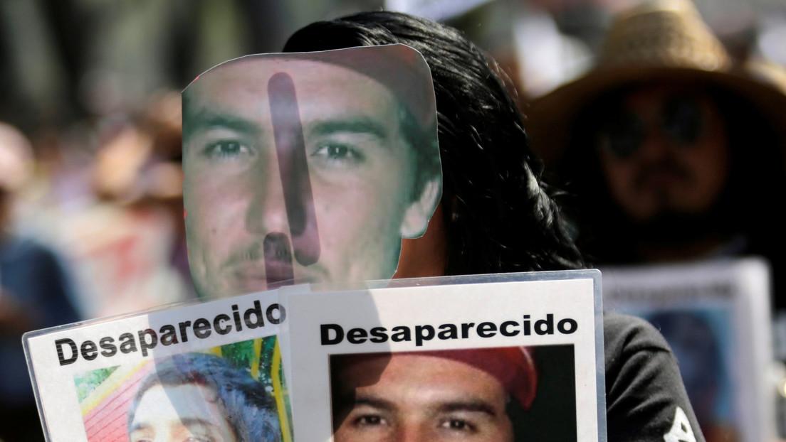 Desalojan por la fuerza a manifestantes que intentaron ingresar a la Secretaría de Gobernación de México