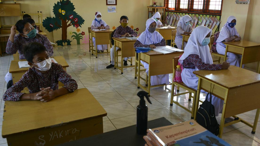 Indonesia abole los códigos de vestimenta religiosa obligatoria en las escuelas públicas