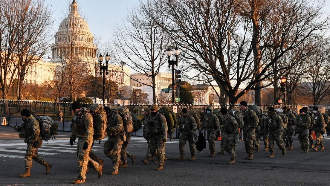 La Administración Biden podría desplegar 1.000 soldados en EE.UU. para ayudar en la vacunación contra el covid-19