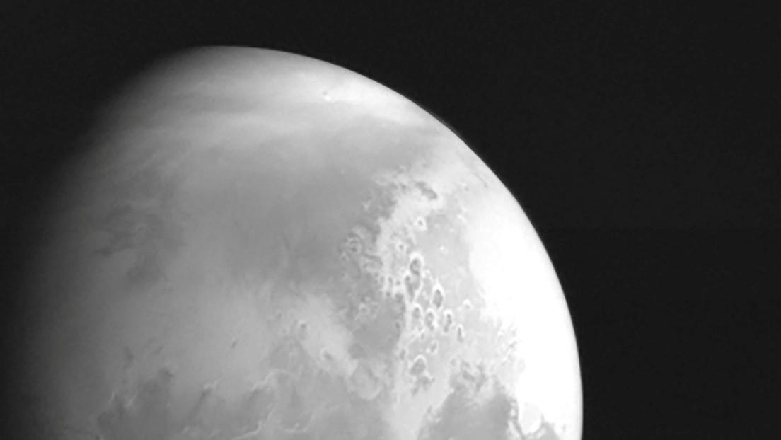 La sonda china Tianwen-1 envía la primera fotografía de Marte durante su histórica misión al planeta rojo