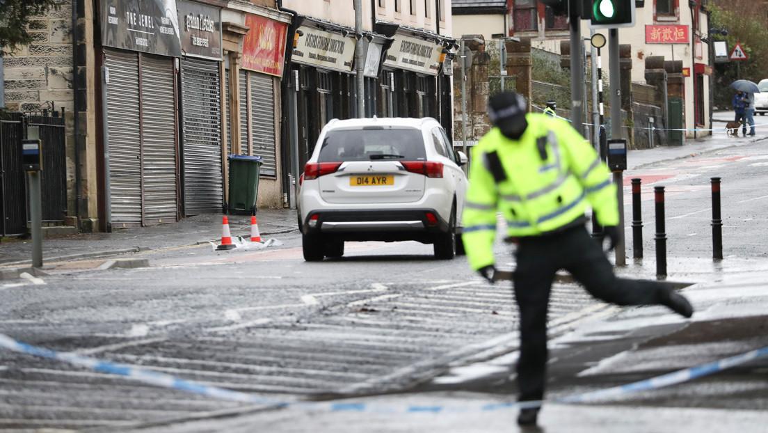 Una mujer y su hija mueren tras ser apuñaladas en diferentes puntos de una ciudad en un lapso de 20 minutos