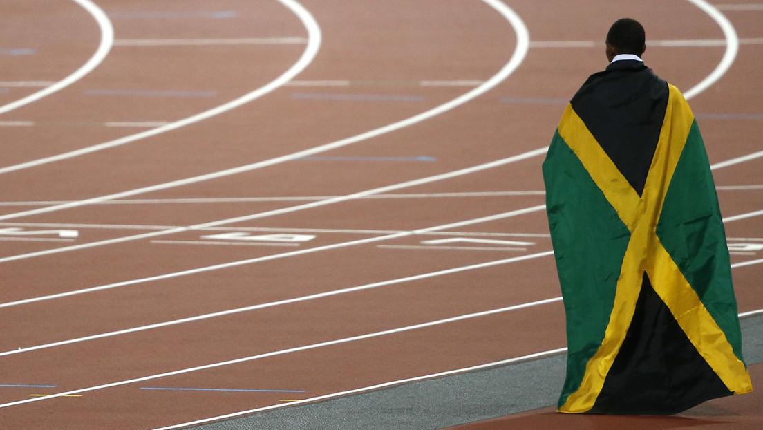 """Louis Vuitton diseña un suéter """"inspirado"""" en la bandera de Jamaica (pero confunde los colores)"""