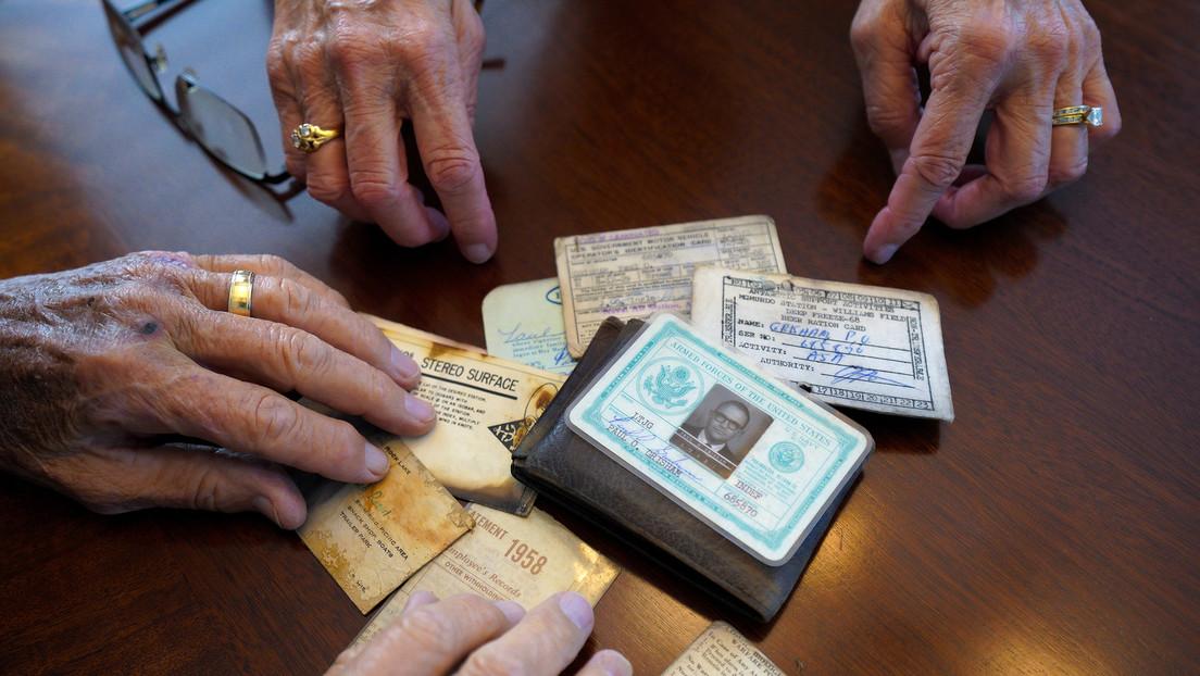 Un hombre pierde su billetera en la Antártida y la recupera 53 años después