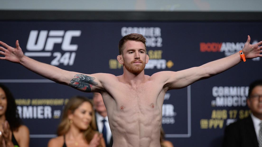 Candidato al nocaut del año: luchador de la UFC acaba a su rival con un brutal rodillazo volador (VIDEO)
