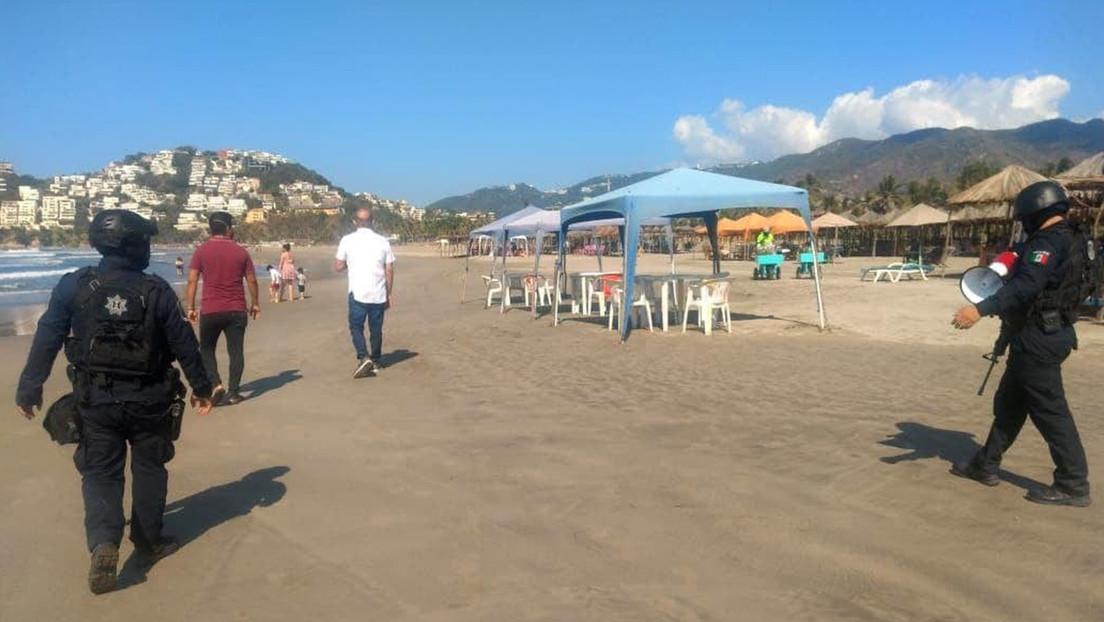 El Ejército mexicano desaloja de las playas de Acapulco a los turistas que se niegan a cumplir las restricciones por el covid-19
