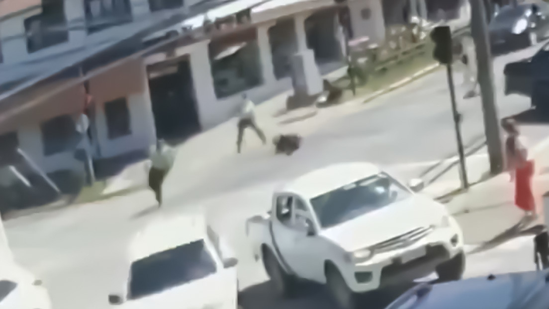 Nuevo video muestra el momento en el que un agente de Carabineros mata a tiros a un malabarista en Chile