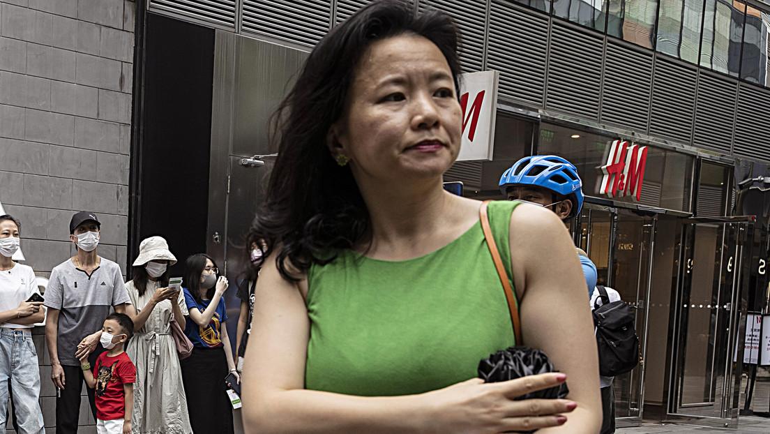 """Arrestan en China a una presentadora australiana bajo sospecha de """"proporcionar ilegalmente secretos de Estado en el extranjero"""""""