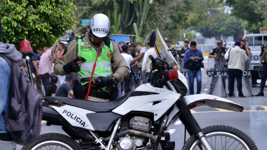Sicarios a bordo de una moto matan a tiros a un joven que se tomaba selfis en un parque en Perú
