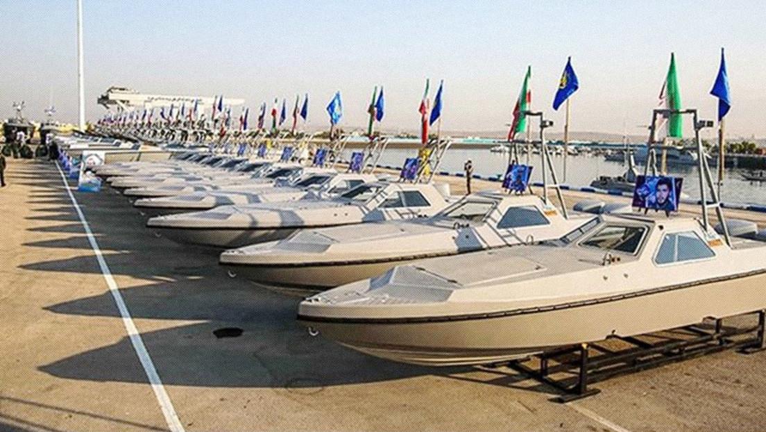 Irán muestra 340 nuevas lanchas lanzamisiles de alta velocidad que fortalecerán su presencia marítima