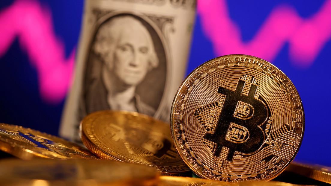 El precio del bitcóin alcanza los 46.000 dólares por primera vez en la historia, impulsado por una multimillonaria inversión de Tesla