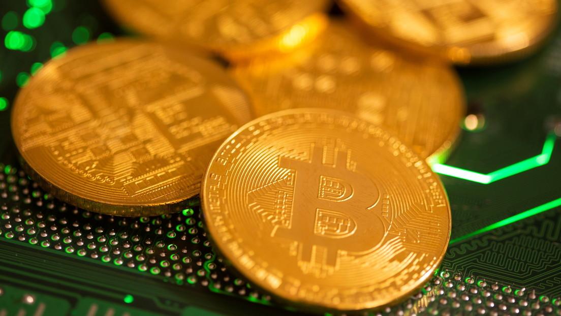 El bitcóin bate un nuevo récord en un par de horas y supera los 47.000 dólares