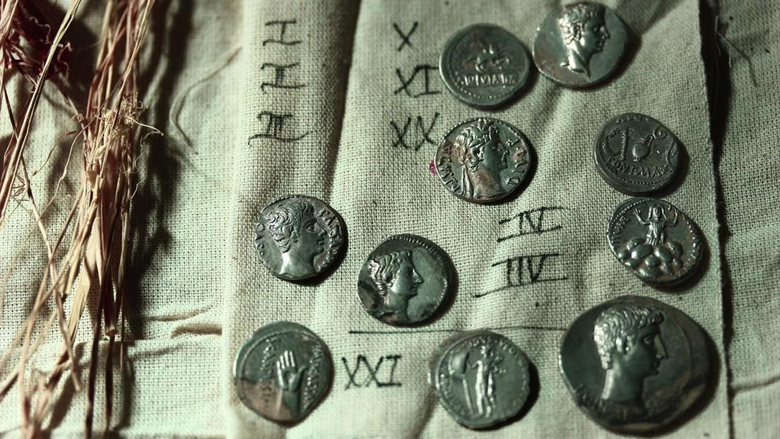 Un tesoro de más de 600 monedas de plata de la época romana es desenterrado en Turquía