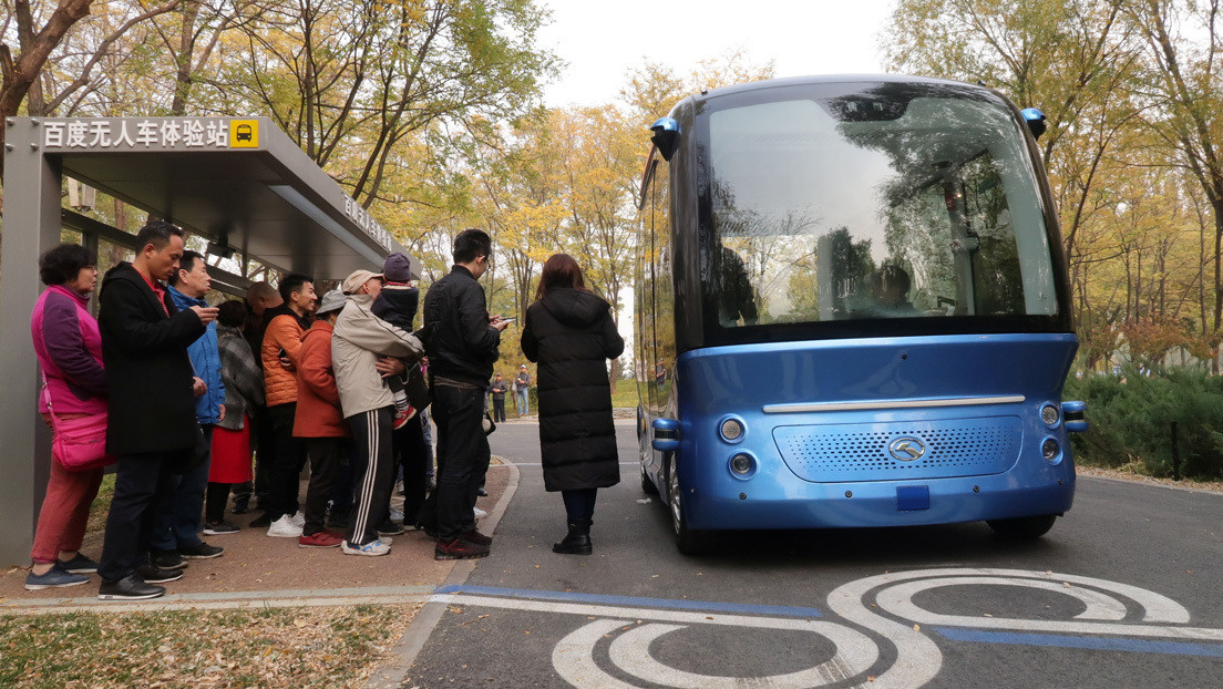 VIDEO: Autobuses eléctricos autónomos ya circulan por las carreteras de China