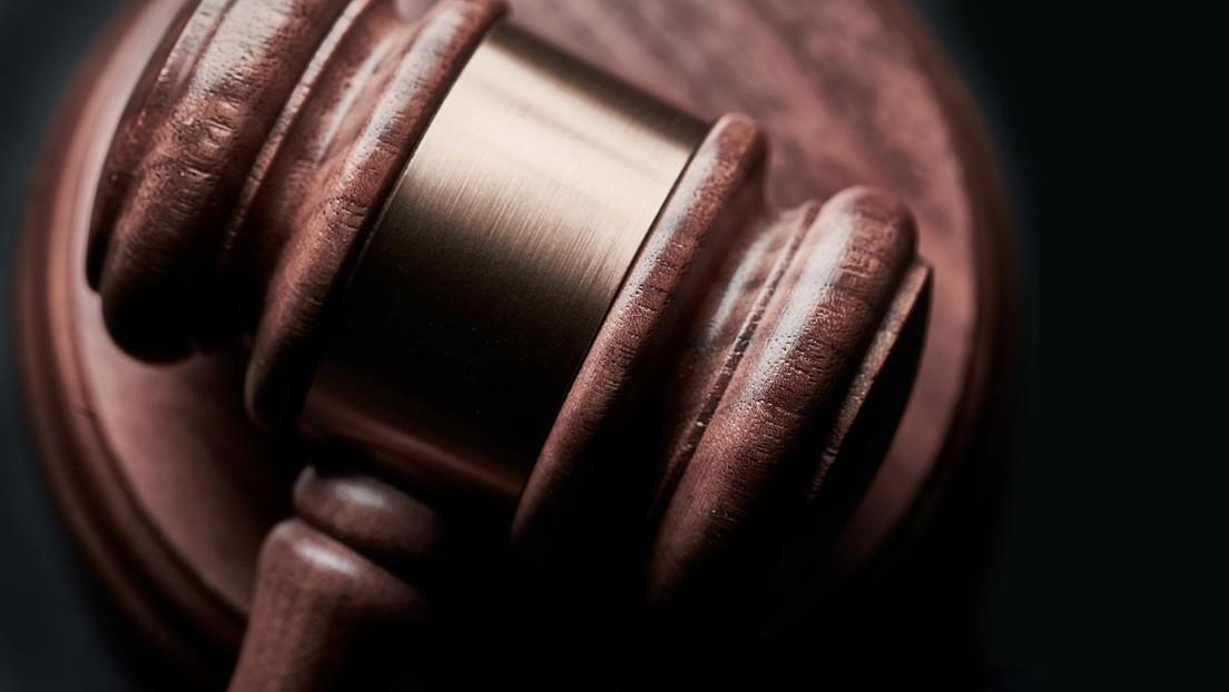Condenan a 3 años de libertad condicional a un abuelo por la caída fatal de su nieta de 18 meses desde un crucero en Puerto Rico