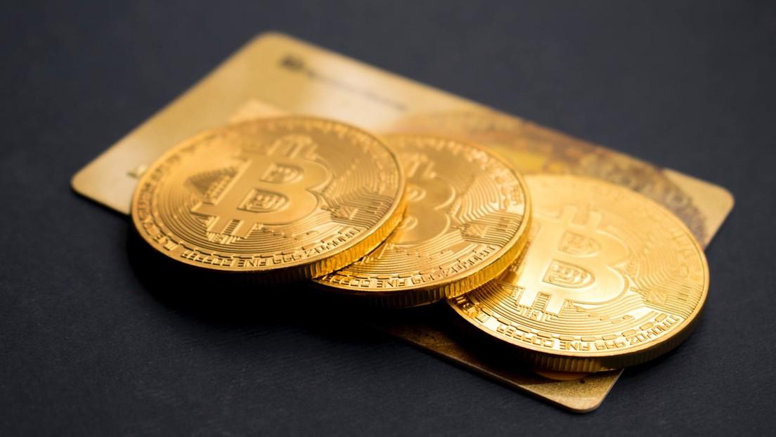 Bloomberg: Tras la multimillonaria compra hecha por Tesla, el bitcóin podría convertirse en una verdadera moneda alternativa