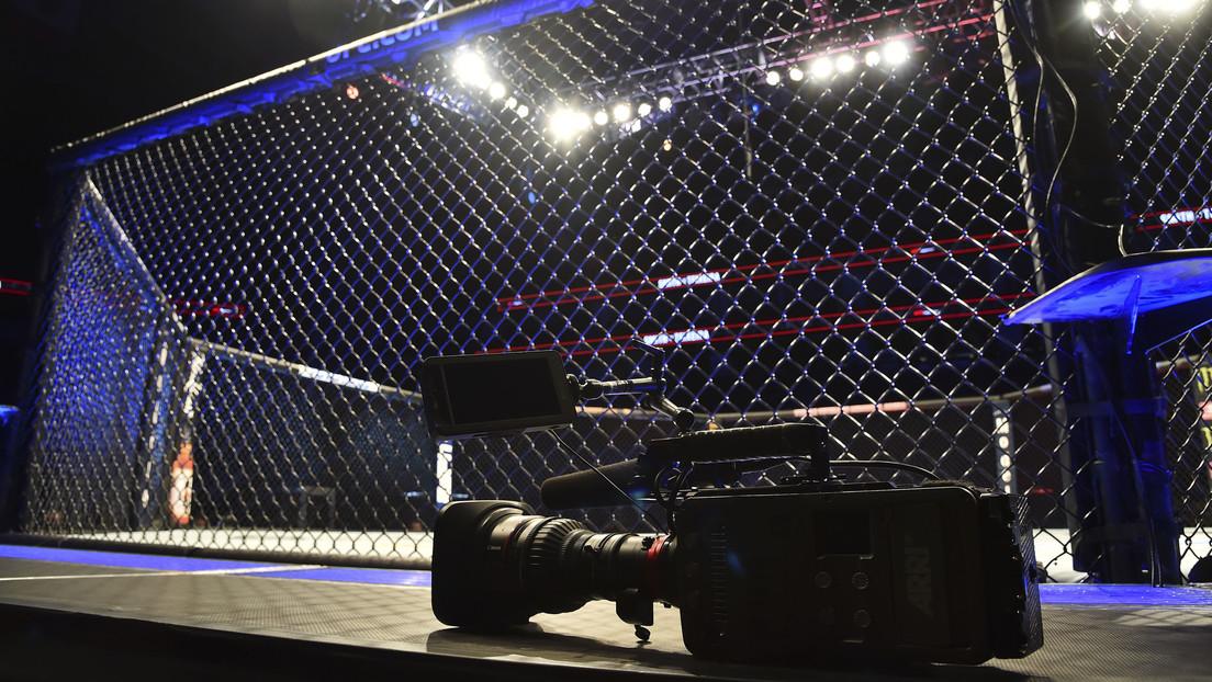 VIDEO: Un luchador de MMA noquea a su rival tras derribarlo con una feroz patada circular a lo 'Mortal Kombat'