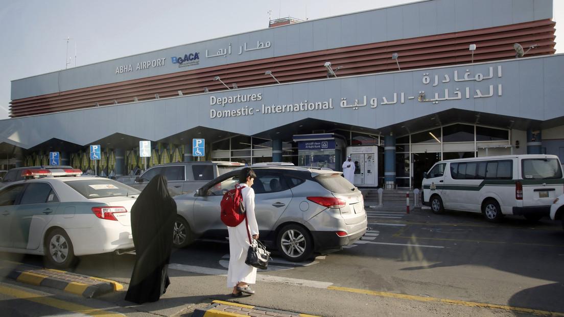 Reportan que un ataque de los rebeldes hutíes en Arabia Saudita provoca el incendio en un avión civil