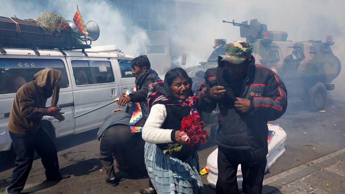 """""""Bajo sus órdenes murieron personas"""": La Defensoría del Pueblo de Bolivia apunta a Áñez como responsable de las masacres tras el golpe contra Morales"""
