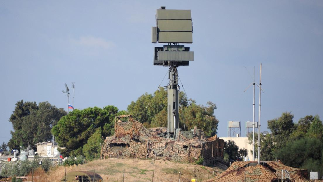 Sistemas de defensa antiaérea rusos repelen un ataque contra la base de Jmeimim en Siria