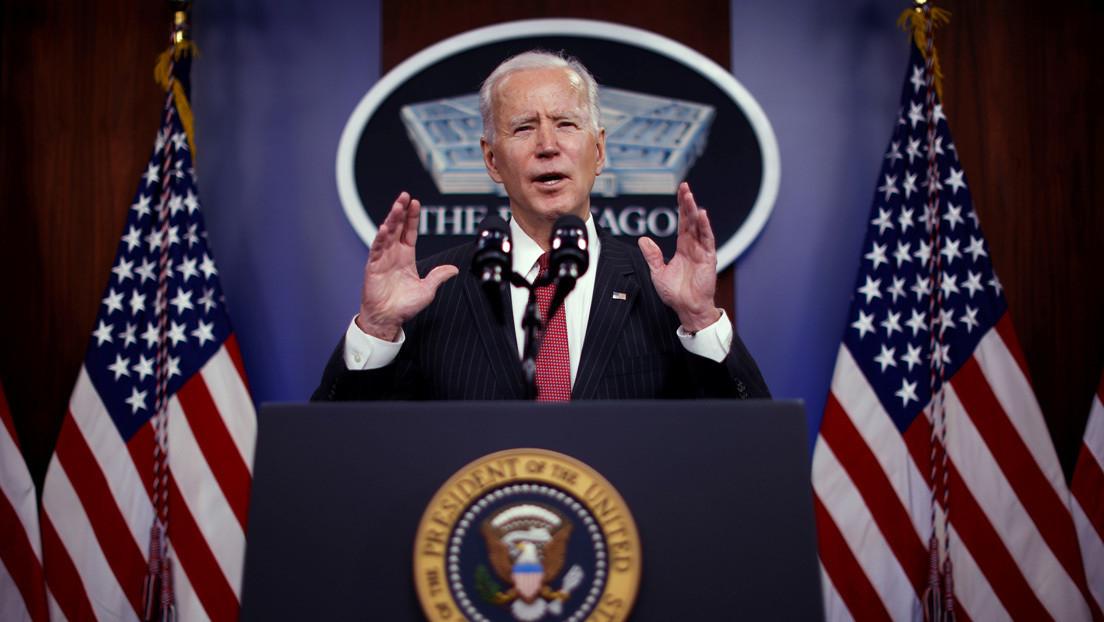 Biden firma una orden ejecutiva que pone fin a la emergencia nacional en la frontera con México