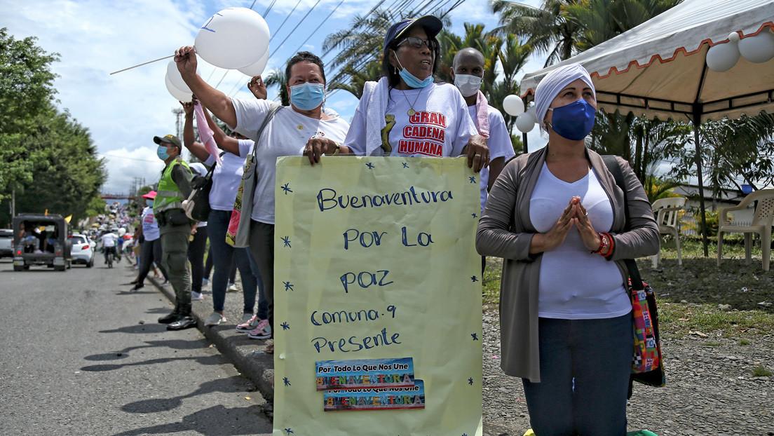 """""""Nos están matando y nadie dice nada"""": ¿Por qué se ha incrementado la violencia en Buenaventura, uno de los puertos más importantes de Colombia?"""