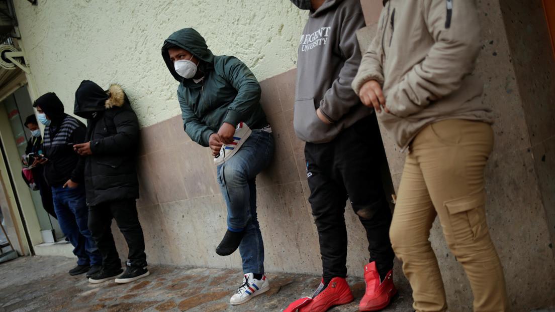 EE.UU. permitirá el ingreso de los migrantes expulsados a México que habían solicitado asilo
