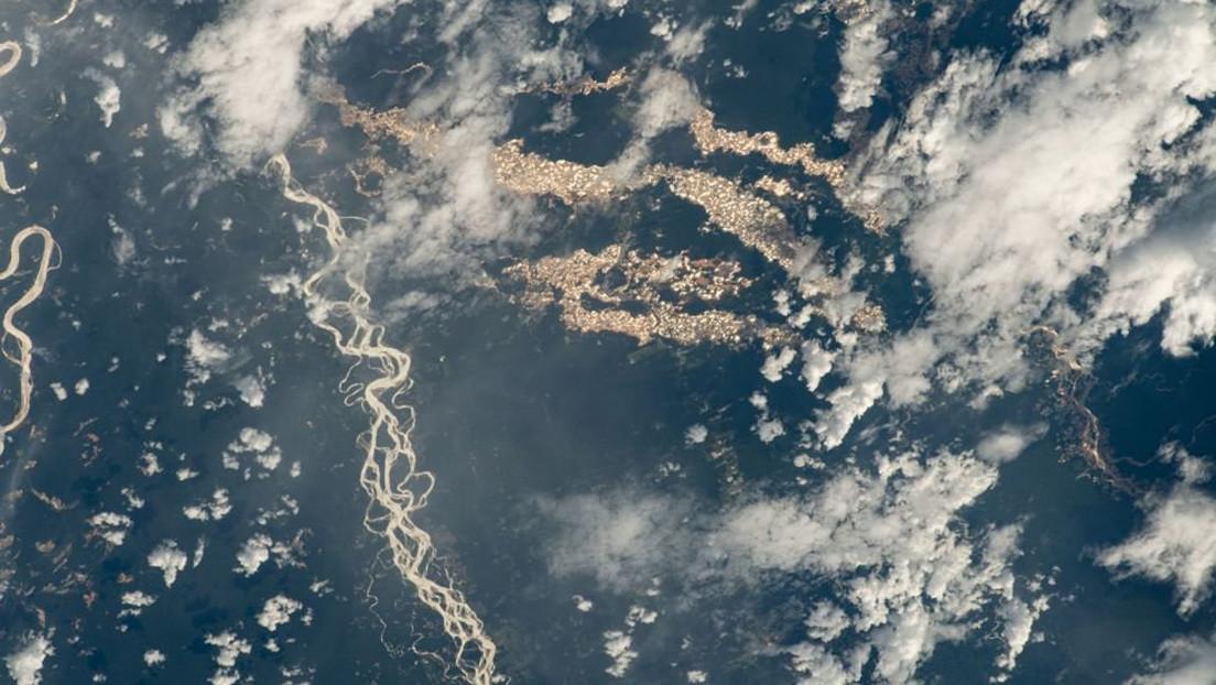 El lado oscuro de la foto donde se ven 'ríos de oro' en Perú (y por qué debería preocuparnos)