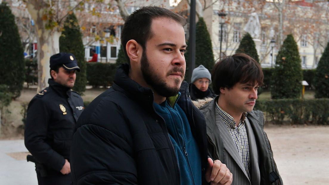 Último día para el ingreso voluntario en prisión del rapero español Pablo Hasél por 64 tuits y una canción