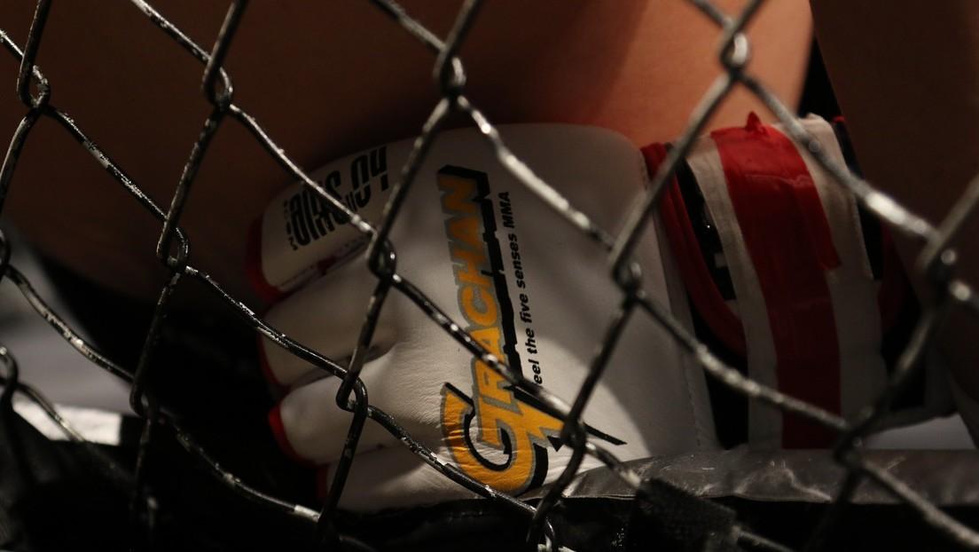 VIDEO: Un luchador ruso de MMA noquea a su rival con un inesperado golpe de codo giratorio desde una posición inusual