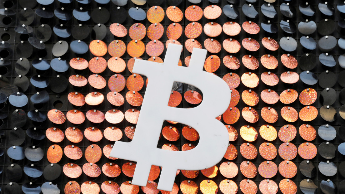 Propietarios de iPhone están autorizados para realizar transacciones en bitcoines