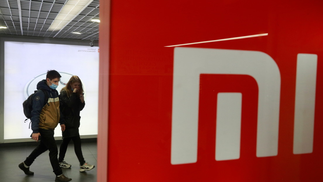 FOTOS: Filtran imágenes de un nuevo teléfono de Xiaomi con dos pantallas