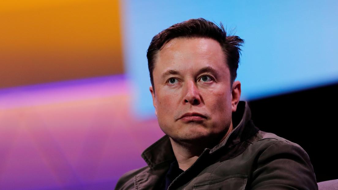 Elon Musk revela cuánto tiempo dedica a dormir y cómo es su horario