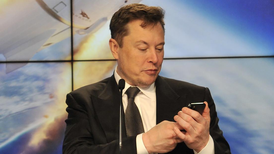 Elon Musk invita al presidente de Rusia a entablar una conversación en Clubhouse y agrega un mensaje en ruso