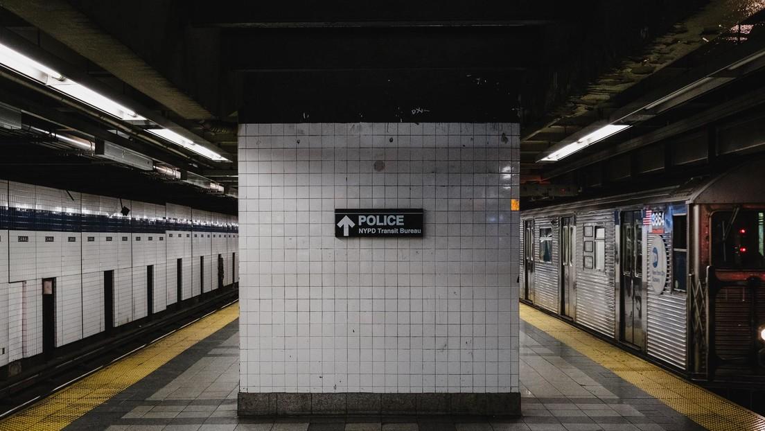 Nueva York aumenta la presencia policial en el metro tras 4 ataques con cuchillo en las últimas 24 horas
