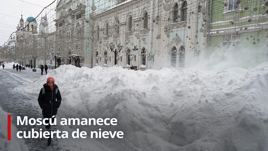 VIDEO: Moscú amanece cubierta de nieve mientras continúa la fuerte tormenta invernal