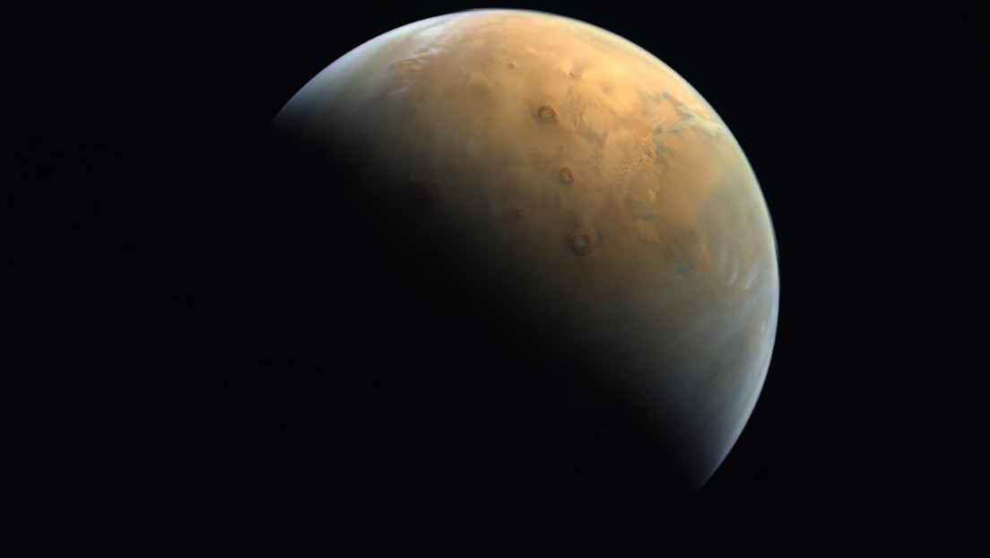 El orbitador emiratí envía su primera imagen de Marte