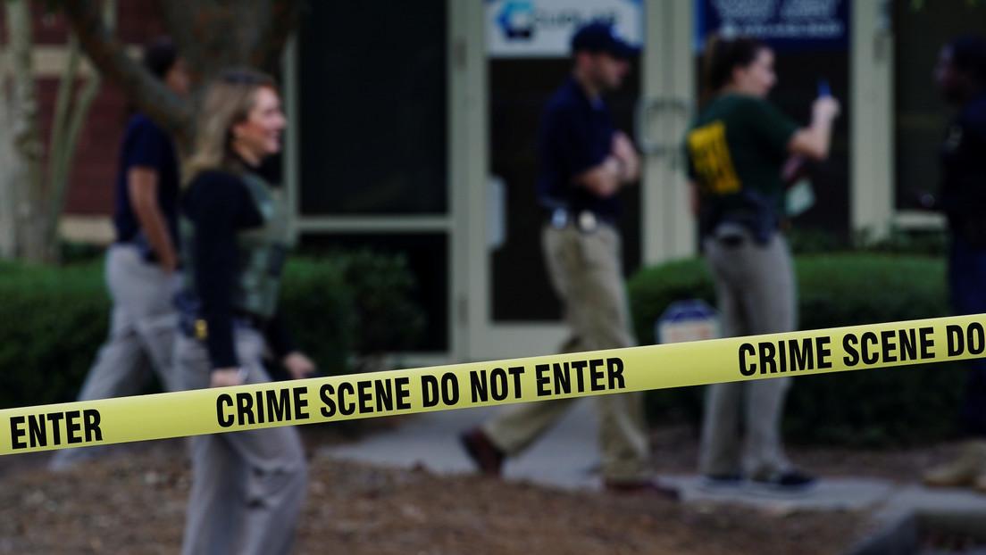 Un niño de 12 años mata a tiros a uno de los intrusos que entró a robar a su casa y que disparó a su abuela